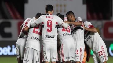 Sob pressão, São Paulo decide futuro na Libertadores contra Racing