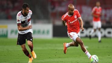 Internacional está em dívida com o torcedor, diz Paulo Sérgio