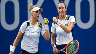 Olimpíadas: Dupla brasileira feminina de tênis vencem EUA de virada e vão às semifinais