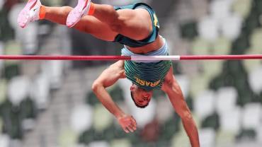 Thiago Braz garante vaga na final do salto com vara em Tóquio
