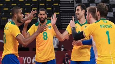 Olimpíadas: seleção masculina de vôlei vence Japão e avança às semifinais