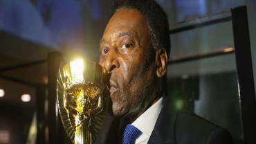 Pelé informa que retirou tumor no cólon