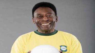 Pelé se recupera bem após retirar tumor