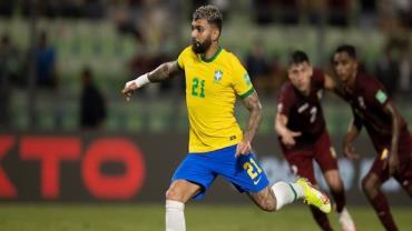'Nunca vi uma seleção tão sem sal', diz Silvio Luiz