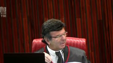 """""""TSE não é avestruz para esconder a cabeça na areia"""", diz Fux em julgamento no TSE"""