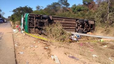 Acidente com ônibus deixa mortos e feridos no Piauí