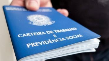 Taxa de desemprego no país se mantêm em 13,3%, diz IBGE