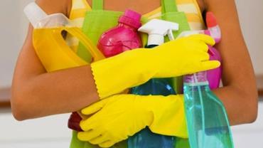 Mãe é hospitalizada após ficar intoxicada com combinação de produtos de limpeza