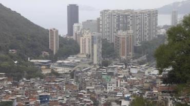 Menina de 12 anos é baleada na Rocinha depois de assalto