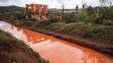 Água do Rio Doce está imprópria para consumo dois anos após tragédia de Mariana