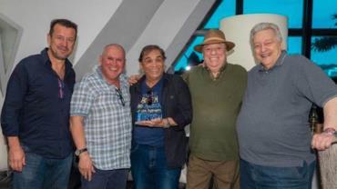 Sidney Oliveira promove almoço com amigos em sede da Ultrafarma