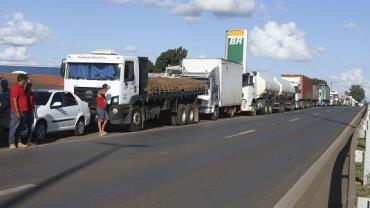 Após decreto de Temer, Abcam pede que caminhoneiros liberem estradas