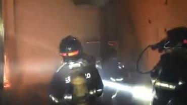 Três crianças morrem em incêndio em galpão com moradores de rua de SP