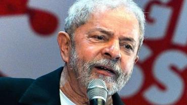 Fachin homologa desistência de pedido de liberdade de Lula no STF