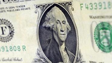 Entrada de dólares no país supera saída em R$ 346 milhões em maio