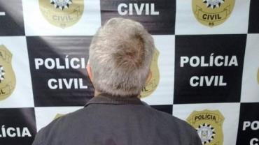 Idoso de 64 anos é preso após ser flagrado com pornografia infantil