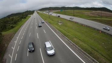 Rodovias paulistas têm operação especial para feriado