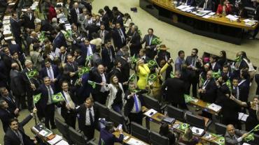 Por 379 votos a 131, Câmara aprova em 1º turno texto-base da reforma da Previdência