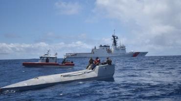 Guarda Costeira dos EUA apreende 3 toneladas de cocaína no Oceano Pacífico em menos de uma semana