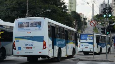 Homem é preso após se masturbar em ponto de ônibus em Santo André (SP)
