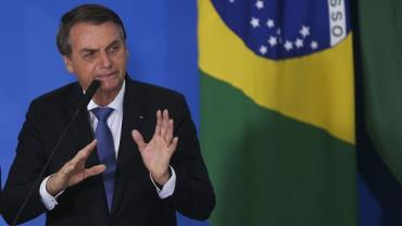 Bolsonaro tem melhora clínica progressiva e continua com dieta líquida