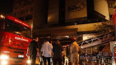 Hospital Badim confirma morte de 12ª vítima de incêndio no Rio