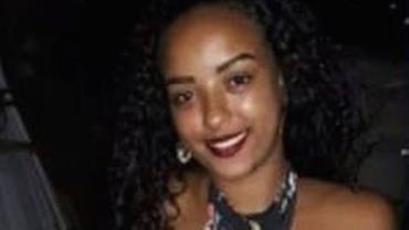 Jovem de 18 anos é achada morta no quintal da casa do namorado na Baixada Fluminense