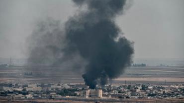 Ataque aéreo atinge carros que transportavam civis na Síria