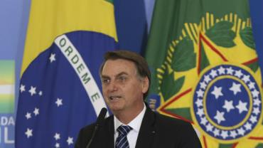 Bolsonaro assina MP para solucionar conflitos entre União e devedores