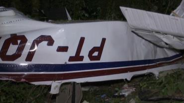 Queda de avião de pequeno porte deixa três mortos, em Cascavel