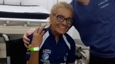 Torcedora do Cruzeiro de 86 anos é agredida por atleticanos na Grande BH