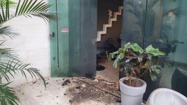 Pelo menos quatro pessoas participaram do ataque ao Porta dos Fundos