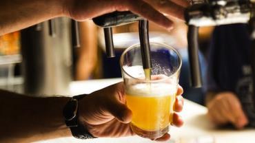 Sobe para 17 o número de casos por intoxicação por cerveja contaminada