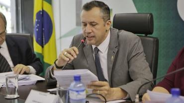 Bolsonaro exonera secretário de Cultura, Roberto Alvim