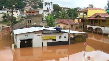 Sobe número de mortos após chuvas em Minas Gerais