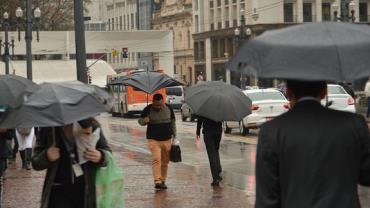 Chuva causa prejuízo de R$ 110 milhões ao comércio em São Paulo