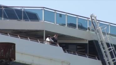 Tripulantes desembarcam de navio com casos de coronavírus em São Paulo