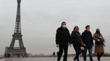 França quebra recorde diário de mortos por coronavírus
