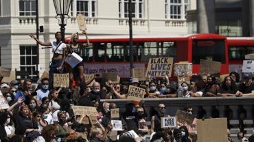 Protestos contra morte de George Floyd chegam à Europa