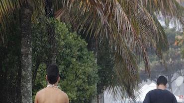 Áreas de lazer reabertas atraem milhares de cariocas em domingo de sol