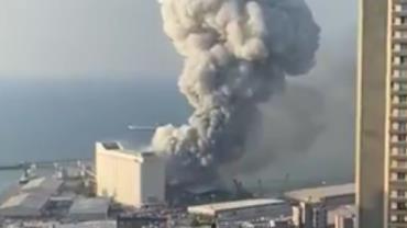 Forte explosão é registrada em Beirute; vídeos mostram destruição