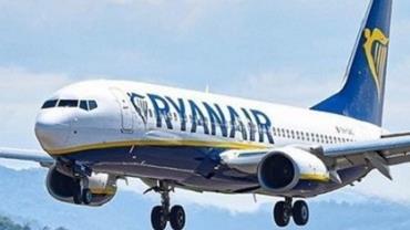 Dois homens são presos por engano após serem confundidos com terroristas em avião