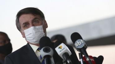 Bolsonaro está sem febre e continua apresentando ótima evolução clínica, diz boletim médico