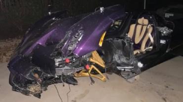 YouTuber adolescente destrói carro de R$ 18 milhões do pai