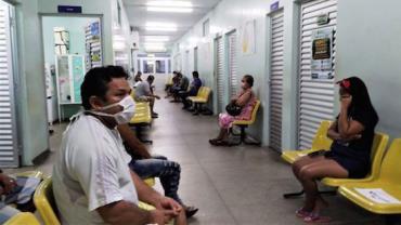Medidas restritivas contra a Covid-19 geram protesto em Manaus
