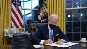 EUA voltam oficialmente ao Acordo de Paris sobre o clima