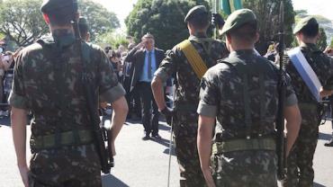 """""""Na semana que vem, teremos mais"""", diz Bolsonaro após indicar nome para substituir atual presidente da Petrobras"""