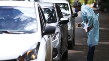 DF tem drive-thru neste sábado para atender idosos acima de 75 anos