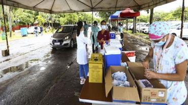 Estado de SP inicia neste sábado vacinação de profissionais da educação