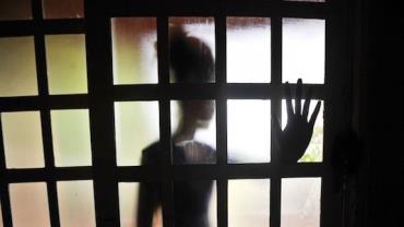 Idoso é preso por abusar sexualmente de adolescente